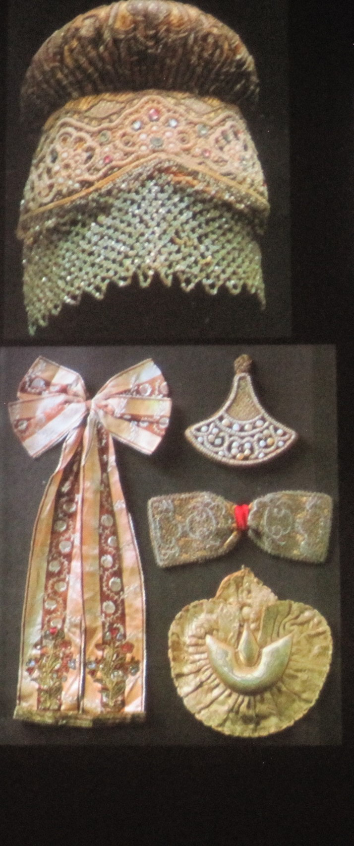 head dress hair ornaments