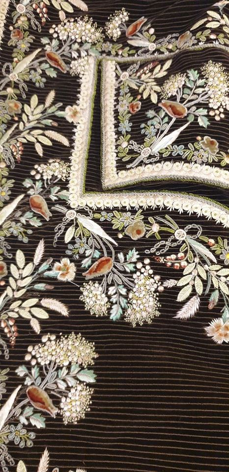1770 embroidered cloak detail